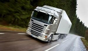 camiones-en-la-autopista_03