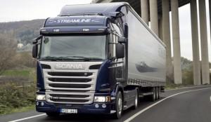 camiones-en-la-autopista_05