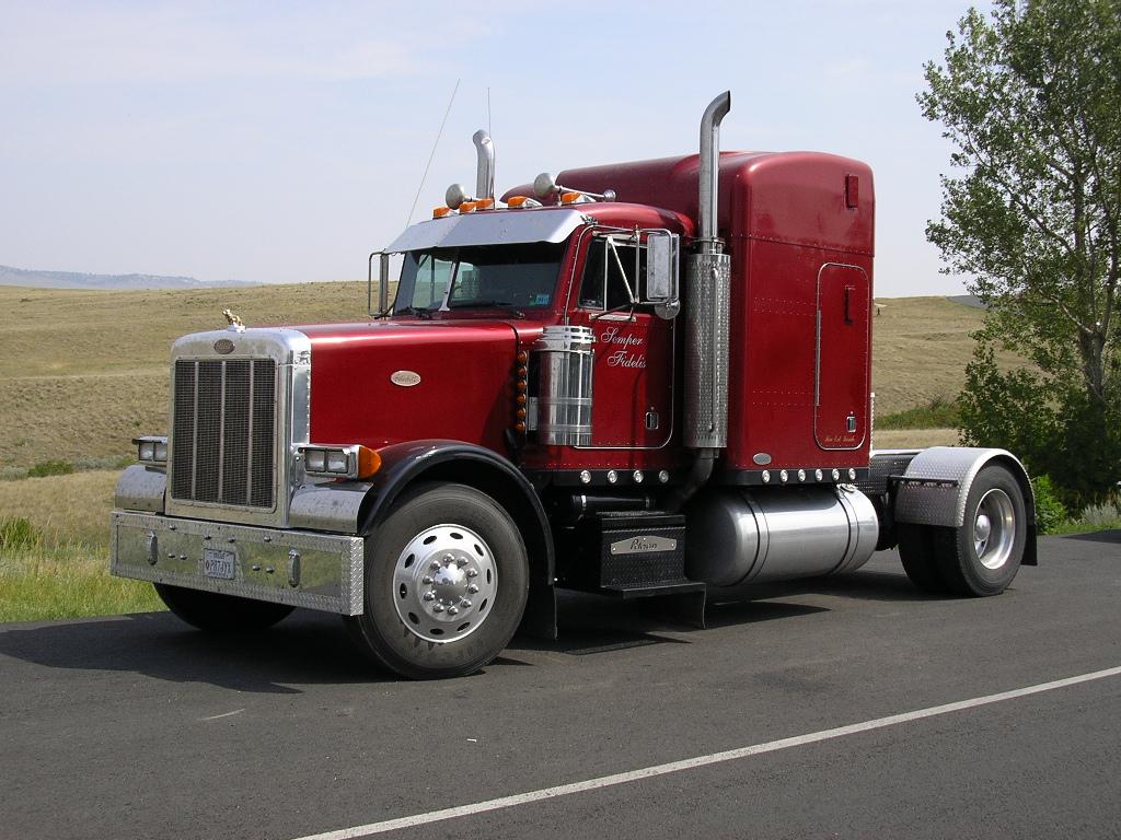 camion rojo fotos de camiones. Black Bedroom Furniture Sets. Home Design Ideas