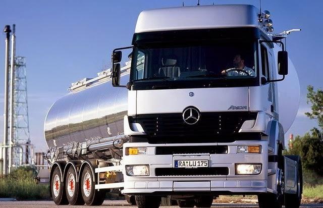 camion-mercedes-cisterna