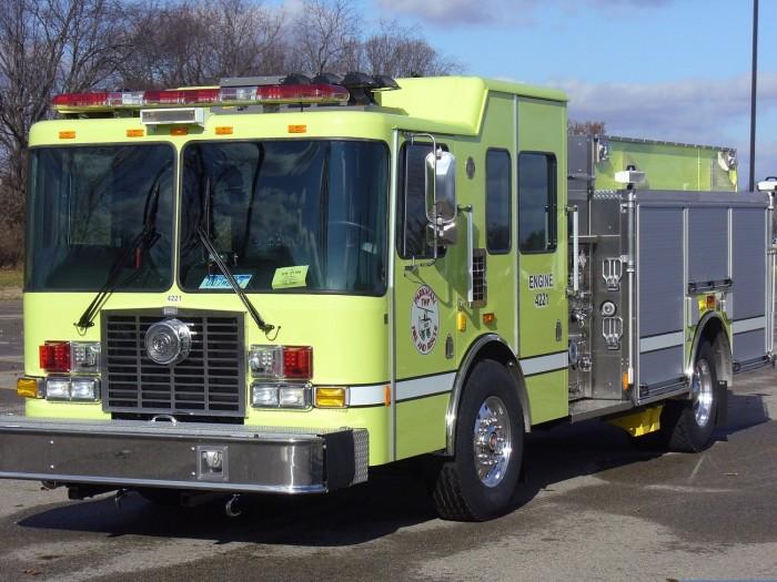 camion-bombero-amarillo