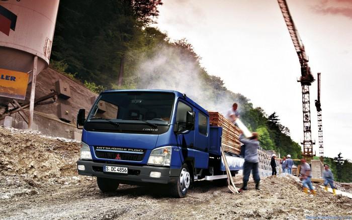 camion-mitsubishi-fuso-de-carga
