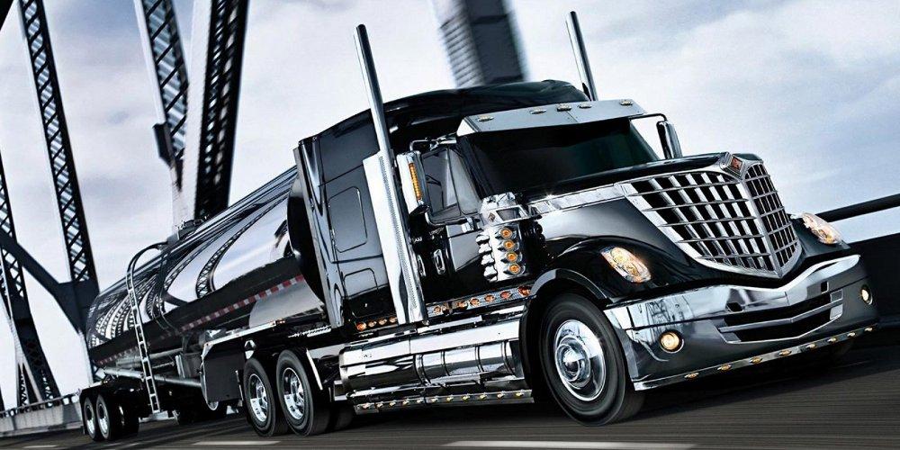 Camion Negro Sisterna