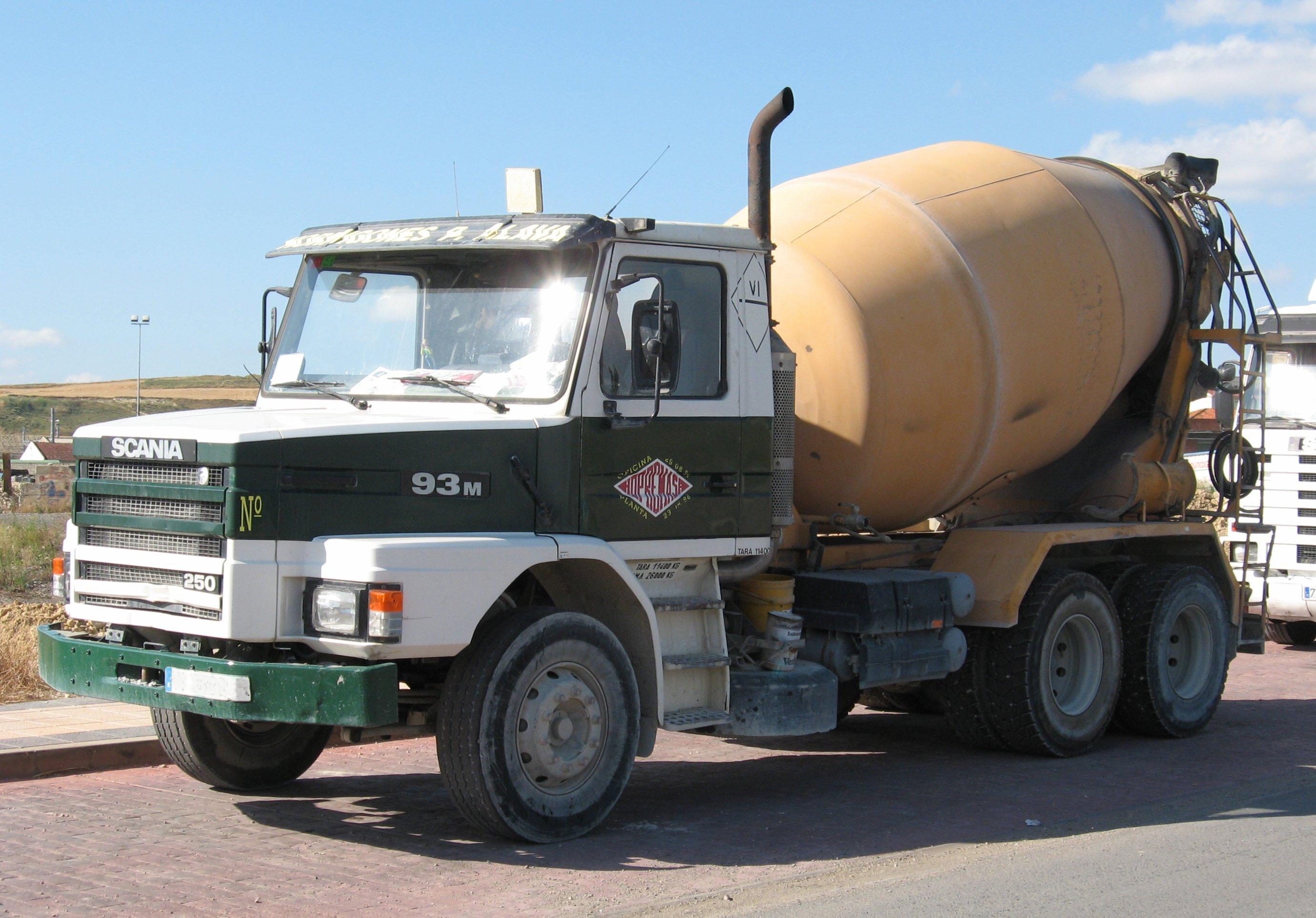Scania hormigonero viejo