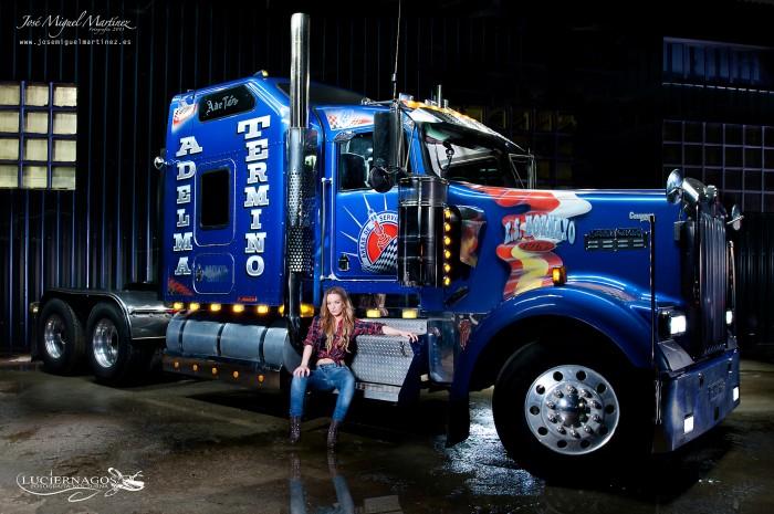 dos-chicas-y-un-camion_01