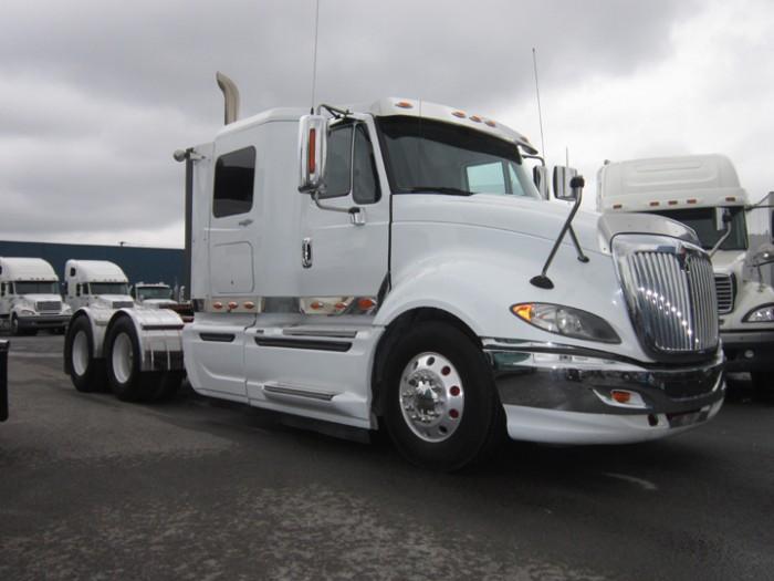 camion-ProStar-blanco