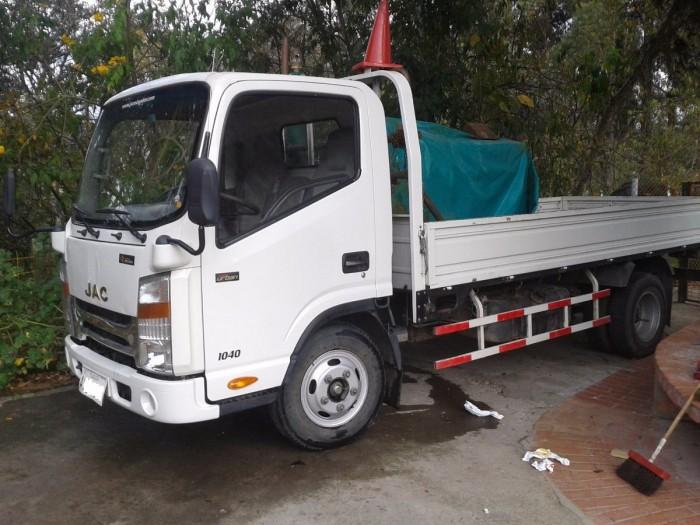 camion-jac-1040