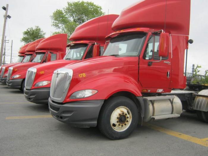 camiones-ProStar-rojos