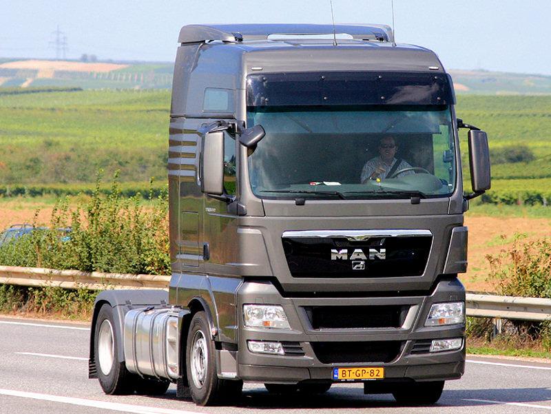 Camion Man gris