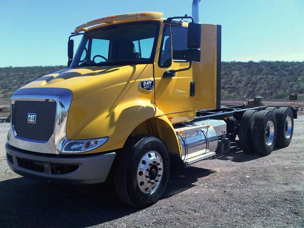 Camion Cat CT610