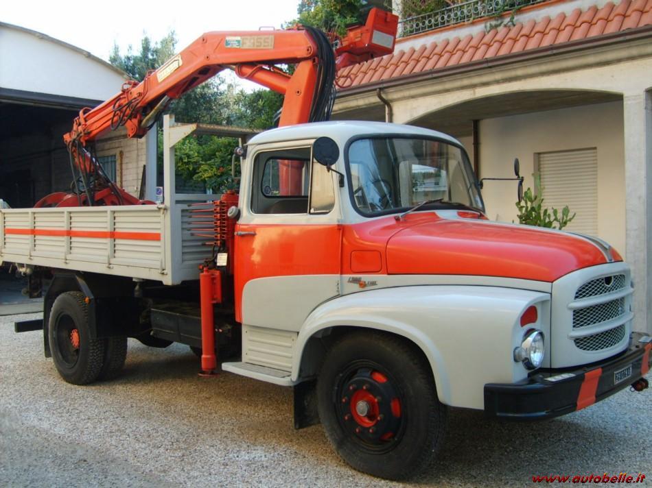 Camion Fiat Antiguo con grua
