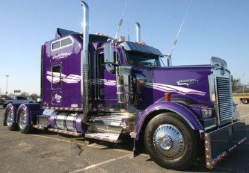 Camion Kenworth Violeta