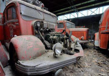 Camiones Bomberos Abandonados con motor expuesto