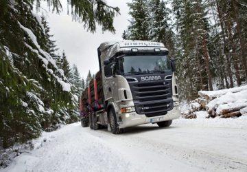 Camiones scanias en la nieve